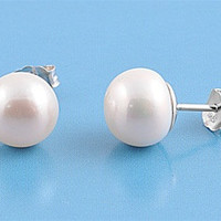 Cultured Freshwater Pearl Stud Earring 9mm