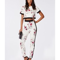 Missguided - Lila Floral Print Cigarette Trousers White