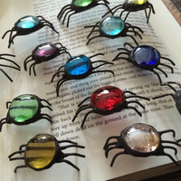 Glass spider, spider decoration, stained glass halloween spider, gothic home decor, red, blue, green, purple, spider suncatcher