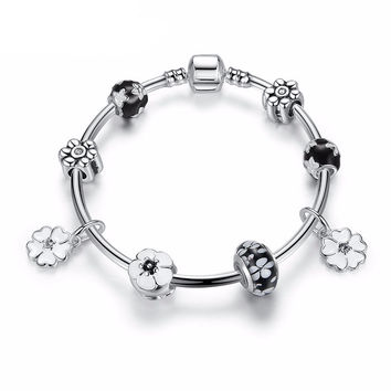 New Simple Vintage Flower Bracelet - Silver