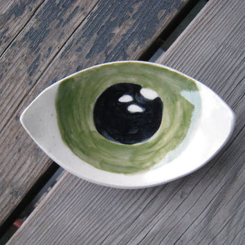 Ceramic Eye Dish - Surrealist Decor - MADE TO ORDER - Ceramics and Pottery - Eye Art - Ring Dish - Small Pottery Dish - Retro Ashtray