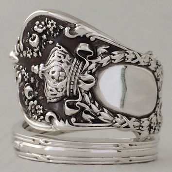 Size 8 Vintage Snow White Sterling Silver Spoon Ring