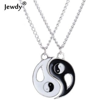 2Pcs Friends Coup2P Friends Couples Alloy Taiji Charm Pendant Necklaces Set for Lover Valentine Gift Fashion Jewelry Men Women