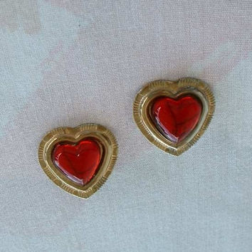 Red Moonglow Lucite Heart Clip On Earrings Lightweight Vintage Sweetheart Jewelry