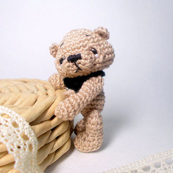 Small crochet bear, little teddy bear, small pet animal, small bear, mini bear, small amigurumi bear, crochet bear, loved bear
