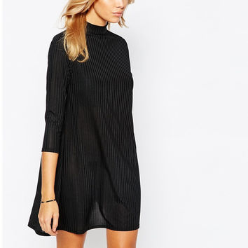 Minimalist Sleeve Bottoming Dress in Black