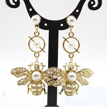 New Trending Women Stylish Exaggerated Full Pearl Bee Earrings Accessories I13364-1