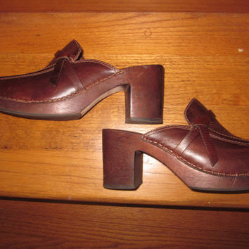 Vintage Brown Leather Clogs Wood Platform Shoes Womens Size 7 American Eagle Outfitters Chunky Clogs