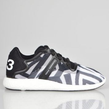 Y-3 Boost Trainer M21795 - Black / White