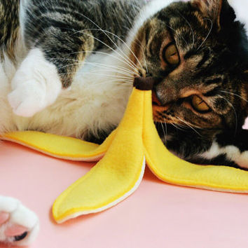 Slippery Catnip Banana Peel Cat Toy