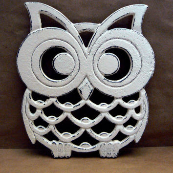 Owl Trivet Hot Plate Off White Cream Shabby Chic Distressed Ecru Kitchen Rustic Woodsy Decor Ornate Cast Iron