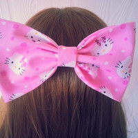Hello Kitty / Hello kitty hair bow / Hello kitty fabric bow / Kawaii hair bow / girls hair bow / hair bow clip / hair bow / sanrio