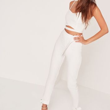 Missguided - D Ring Hem And Waist Cigarette Trousers White