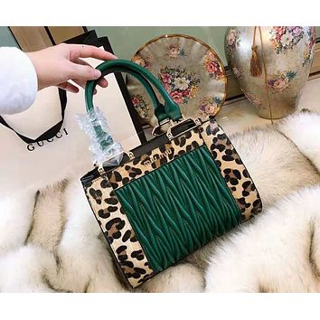 MIUMIU 2018 new pleated leather stitching large capacity female shoulder bag Messenger bag Green