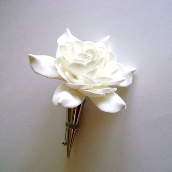 White Gardenia Wedding Boutonniere. Groomsmen flower. Best man boutonniere