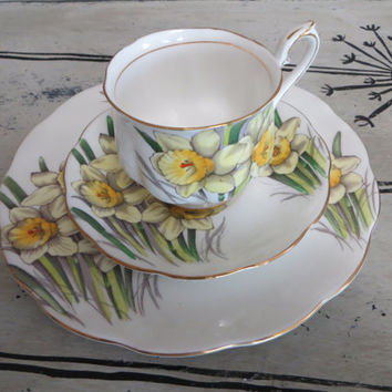 Vintage Royal Albert Bone China Teacup Flower of the Month Series Daffodil March Birthday Gift Cottage Chic Floral Tea Cup Cup and Saucer
