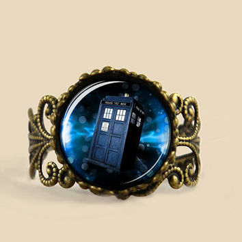 Doctor Who tardis s Adjustable Ring, Dr who Police Box in Space Adjustable ring jewelry