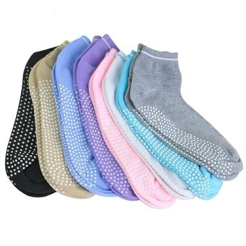 1 Pair Women Yoga Socks Anti slip Silicone Gym Pilates Ballet Socks Fitness Sport Socks Cotton Breathable Elasticity 5 Colours
