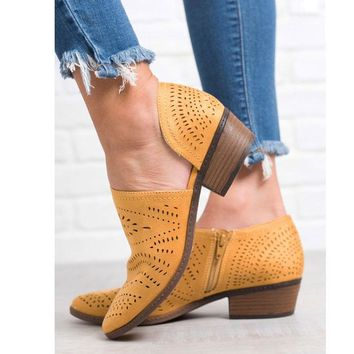 Anouk Boot in Mustard By Not Rated