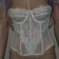 90s bustier ivory white lace floral brallet bralette corset bra top crop club kid hipster grunge boho goth 32A 32 A pastel pink mint green