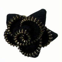 Zipper Flower Ring in Black - WorldFinds
