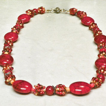 Red and Pink Beaded Necklace - Combination Bead Necklace - Seed Bead Ball Necklace