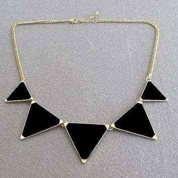 Hot Black geometrical Triangle Necklace Fashion choker necklace Jewelry for women vintage accessories