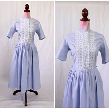 1950s Dress / VINTAGE / 50s Dress / Cotton / Lavender / Embroidery / Pristine