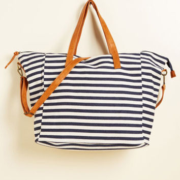 Flaunted Wanderer Weekend Bag | Mod Retro Vintage Bags | ModCloth.com