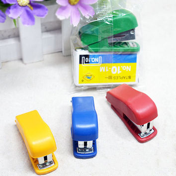 Mini Style Cheap Stapler Staple Set with No. 10 Staples Stationery Candy Stapler Grampeador Office School Supplies 1pcs