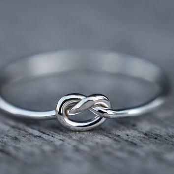 Sterling silver knot ring - skinny ring - dainty ring - thin ring - love knot - hammered ring - simple - minimalist - dainty ring