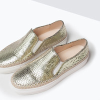 SNAKE-EMBOSSED LEATHER FLAT SHOES New