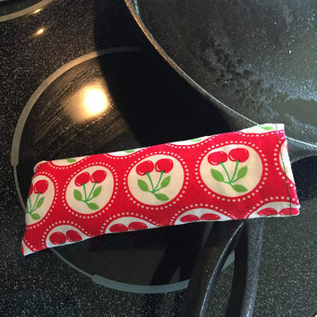 Hot pan Handle Holder / Cast Iron Handle Cover / Skillet Socks / Skillet Pan Holders / Skillet Handle Cover / Red Cherries / Red and White