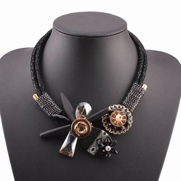 2017 new handmade christmas jewelry winter chunky wood statement bib black rope chain crystal flower pendant necklace for women