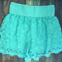 Wagon Wheel Lace Crochet Shorts Mint