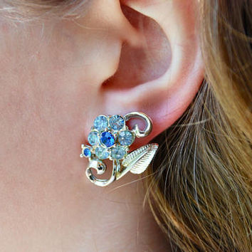 Vintage Screw Back Earrings Coro Blue Rhinestone Flowers Silver Tone Statement Earrings Wedding 1960's // Vintage Designer Costume Jewelry