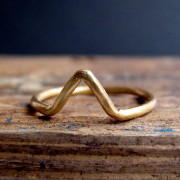 Gold Chevron ring, Geometric Ring, Arrow ring in sterling silver, handmade geometric jewelry statement ring