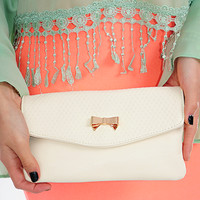 Hold My Own Clutch: Cream