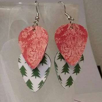 Guitar Pick Earrings - Betsy's Jewelry- Christmas - Holiday - Vintage -  Christmass Trees - Upcycled Jewelry