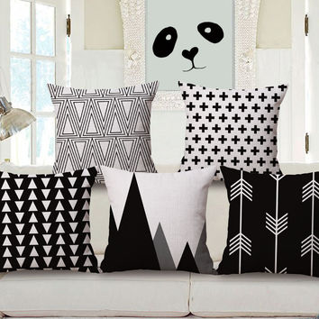 Nordic style home decoration of black and white geometric pattern cotton pillow cover