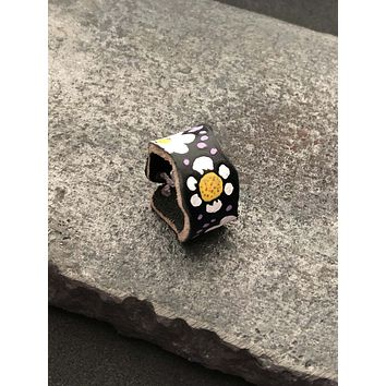 White Daisy Saddle Leather Ring