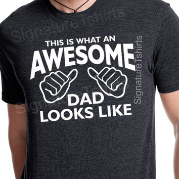 Awesome Dad tshirt This is What An Awesome Dad Looks Like T shirt gift for dad shirt mens tshirt new Baby Christmas Dad to be