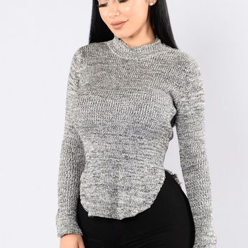 Hera Sweater - White/Black