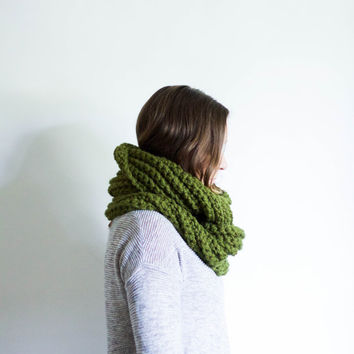 Large Knit Infinity Scarf Textured Loop Cowl | THE PENDELTON | Cilantro