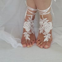 bridal accessories, ivory lace,   wedding sandals,  shoes,   free shipping!   Anklet,   bridal sandals,  bridesmaids,  wedding  gifts.......
