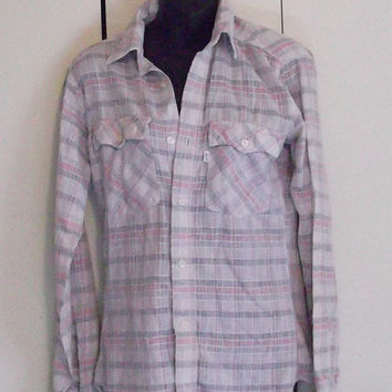 Vintage 1980s Levi's button-up shirt pastel plaid