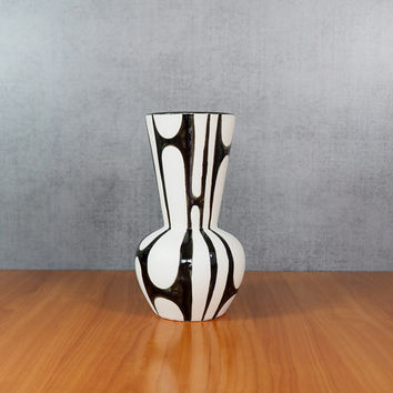 Mid Century Modern Vase / Black and White Pottery / Japan