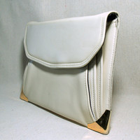 CREAM PUFF CLUTCH 60s Vintage Handbag Pleated Envelope Purse Mod Hollywood Style Sleek  Off White Faux Leather