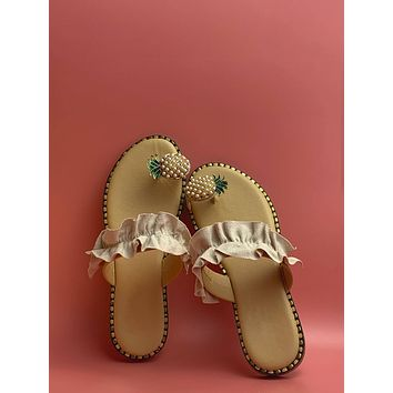 Toe Loop Ruffle Trim Sliders
