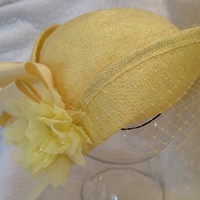 Vintage Veiled Yellow Womans Hat with Flower 50s
